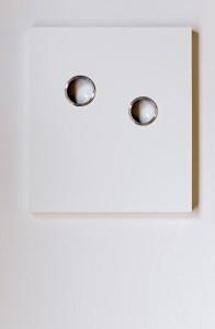 Yuji Takeoka Two Bull's Eyes, 1998, Kunststoff/Metall, 40 x 45 cm